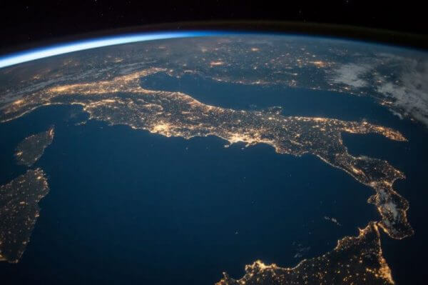 The world from space focusing on Italy